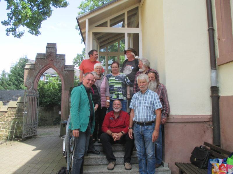 Wolfgang auf GarantiertGrünGerecht-Tour im Odenwald, hier Arbeitsloseninitiative Kompass