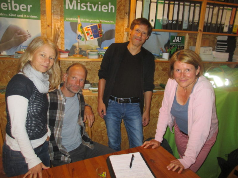 Der neue Vorstand: Simone Schubert (Schatzmeisterin), Tim Koch (Schriftführer), Frank Diefenbach (Sprecher), Petra Neubert (Pressesprecherin)